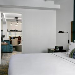 The Renwick Hotel New York City, Curio Collection by Hilton 4* Люкс с различными типами кроватей фото 2