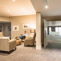 Suncourt Hotel & Conference Centre интерьер отеля