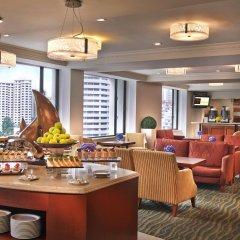 Отель Royal Plaza On Scotts Сингапур, Сингапур - отзывы, цены и фото номеров - забронировать отель Royal Plaza On Scotts онлайн гостиничный бар