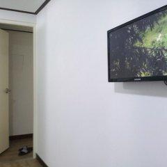Отель Shinchon Hongdae Guesthouse удобства в номере