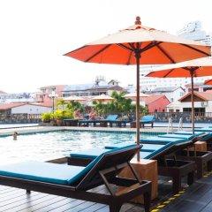 Отель Jomtien Thani Hotel Таиланд, Паттайя - 3 отзыва об отеле, цены и фото номеров - забронировать отель Jomtien Thani Hotel онлайн бассейн фото 3