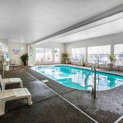 Отель Quality Inn and Suites Summit County бассейн фото 3