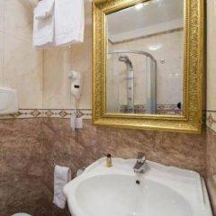 Отель Domus Borgognona Италия, Рим - отзывы, цены и фото номеров - забронировать отель Domus Borgognona онлайн ванная