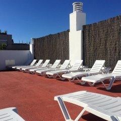 Отель Apartamentos AR Dalia Испания, Льорет-де-Мар - отзывы, цены и фото номеров - забронировать отель Apartamentos AR Dalia онлайн бассейн