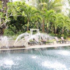Отель Nai Yang Beach Resort & Spa бассейн