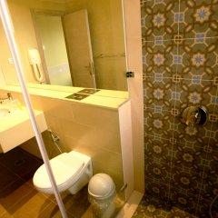 Holy Land Hotel Израиль, Иерусалим - 1 отзыв об отеле, цены и фото номеров - забронировать отель Holy Land Hotel онлайн ванная
