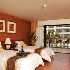 Отель Naithonburi Beach Resort Phuket комната для гостей