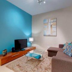 Апартаменты Luxury Apartment, Prime Location in St Julians Сан Джулианс комната для гостей