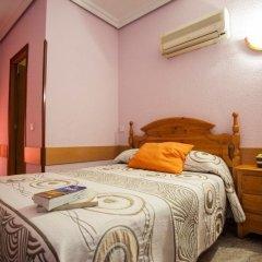 Отель Hostal Bermejo Испания, Мадрид - отзывы, цены и фото номеров - забронировать отель Hostal Bermejo онлайн комната для гостей фото 5