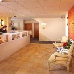 Отель Hôtel des Horlogers Швейцария, План-лез-Уат - 1 отзыв об отеле, цены и фото номеров - забронировать отель Hôtel des Horlogers онлайн интерьер отеля