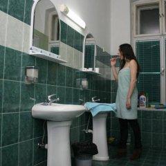 Отель Central Station Hostel Сербия, Белград - отзывы, цены и фото номеров - забронировать отель Central Station Hostel онлайн ванная фото 3
