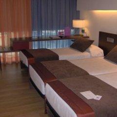 Отель Ayre Gran Hotel Colon Испания, Мадрид - 1 отзыв об отеле, цены и фото номеров - забронировать отель Ayre Gran Hotel Colon онлайн сейф в номере