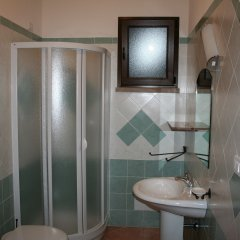 Hotel La Fattoria Кастельсардо ванная