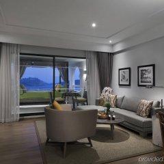 Отель The Nai Harn Phuket комната для гостей