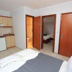 Отель Adonis в номере