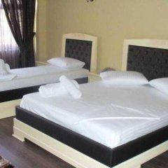 Отель Ador Resort сейф в номере
