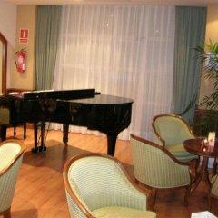 Отель Apartamentos Puente Viesgo Испания, Пуэнте-Вьесго - отзывы, цены и фото номеров - забронировать отель Apartamentos Puente Viesgo онлайн гостиничный бар
