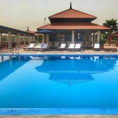 Отель Hyatt Regency Galleria Residence Dubai бассейн