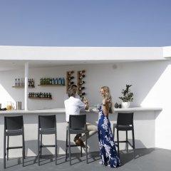 Отель Santorini Princess Presidential Suites Греция, Остров Санторини - отзывы, цены и фото номеров - забронировать отель Santorini Princess Presidential Suites онлайн гостиничный бар