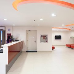 Отель Red Planet Manila Mabini Филиппины, Манила - 1 отзыв об отеле, цены и фото номеров - забронировать отель Red Planet Manila Mabini онлайн интерьер отеля