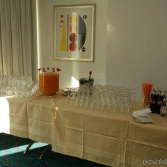 Отель Holiday Inn Express Geneva Airport комната для гостей фото 3