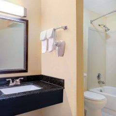 Отель Days Inn by Wyndham Knoxville East ванная