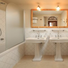 Отель J and J ванная фото 2