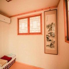 Отель Bukchonmaru Hanok Guesthouse комната для гостей фото 4