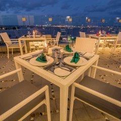 Отель Samann Grand Мальдивы, Мале - отзывы, цены и фото номеров - забронировать отель Samann Grand онлайн пляж