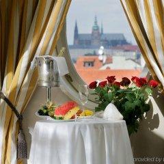 Mamaison Hotel Riverside Prague в номере