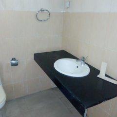 Отель Golden Tulip Airport Hotel Нигерия, Варри - отзывы, цены и фото номеров - забронировать отель Golden Tulip Airport Hotel онлайн ванная