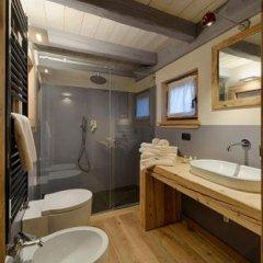Отель Les Plaisirs d'Antan Италия, Аоста - отзывы, цены и фото номеров - забронировать отель Les Plaisirs d'Antan онлайн ванная фото 3
