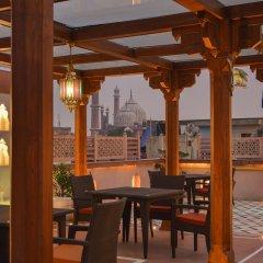 Отель WelcomHeritage Haveli Dharampura гостиничный бар