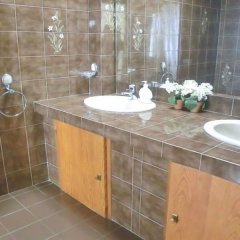 Отель Villa in Blanes - 104831 by MO Rentals Испания, Бланес - отзывы, цены и фото номеров - забронировать отель Villa in Blanes - 104831 by MO Rentals онлайн ванная