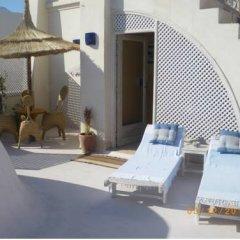 Отель Dar Hamza Тунис, Мидун - отзывы, цены и фото номеров - забронировать отель Dar Hamza онлайн бассейн