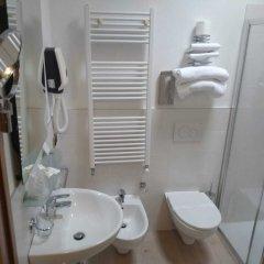 Отель Alloggi Centrale Италия, Абано-Терме - отзывы, цены и фото номеров - забронировать отель Alloggi Centrale онлайн ванная