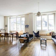 Отель onefinestay - Bastille Apartments Франция, Париж - отзывы, цены и фото номеров - забронировать отель onefinestay - Bastille Apartments онлайн комната для гостей фото 5