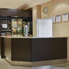Отель Holiday Inn Express London Victoria гостиничный бар