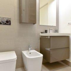 Отель Two Chic Guesthouse Италия, Рим - отзывы, цены и фото номеров - забронировать отель Two Chic Guesthouse онлайн ванная