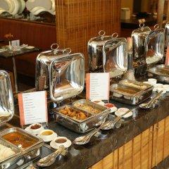 The Metropolitan Hotel and Spa New Delhi in New Delhi, India from 156$, photos, reviews - zenhotels.com meals photo 10