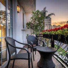 Отель Beverly Hills Plaza Hotel США, Лос-Анджелес - отзывы, цены и фото номеров - забронировать отель Beverly Hills Plaza Hotel онлайн балкон