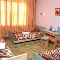 Отель Маданур Кыргызстан, Каракол - отзывы, цены и фото номеров - забронировать отель Маданур онлайн комната для гостей фото 2