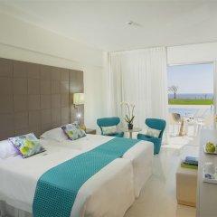 King Evelthon Beach Hotel & Resort комната для гостей фото 11