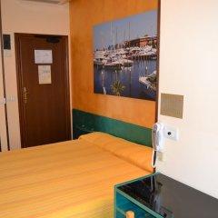 Отель Marselli Римини сейф в номере