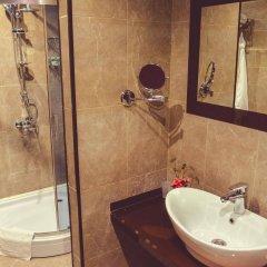 Отель Margo Palace Hotel Грузия, Тбилиси - 1 отзыв об отеле, цены и фото номеров - забронировать отель Margo Palace Hotel онлайн ванная