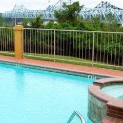 Отель Days Inn & Suites by Wyndham Vicksburg балкон