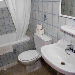Отель Apartamentos Charly's Can Picafort ванная фото 2