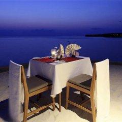 Отель Centara Ras Fushi Resort & Spa Maldives Мальдивы, Велиганду Хураа - отзывы, цены и фото номеров - забронировать отель Centara Ras Fushi Resort & Spa Maldives онлайн