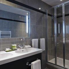 Отель Royal Hotel Paris Champs Elysées Франция, Париж - отзывы, цены и фото номеров - забронировать отель Royal Hotel Paris Champs Elysées онлайн ванная