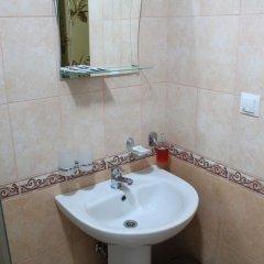 Гостиница Гостевой дом Эльмира в Сочи отзывы, цены и фото номеров - забронировать гостиницу Гостевой дом Эльмира онлайн ванная